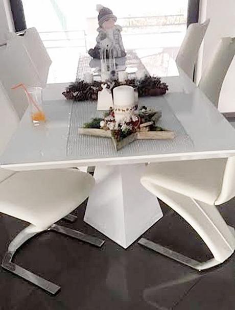 Predam 6 stoličiek a jedalensky stôl - Obrázok č. 1