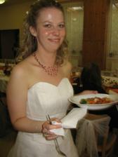 nevěsta se těší na pořádné jídlo