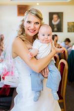 náš nejmladší svatebčan Honzík :)