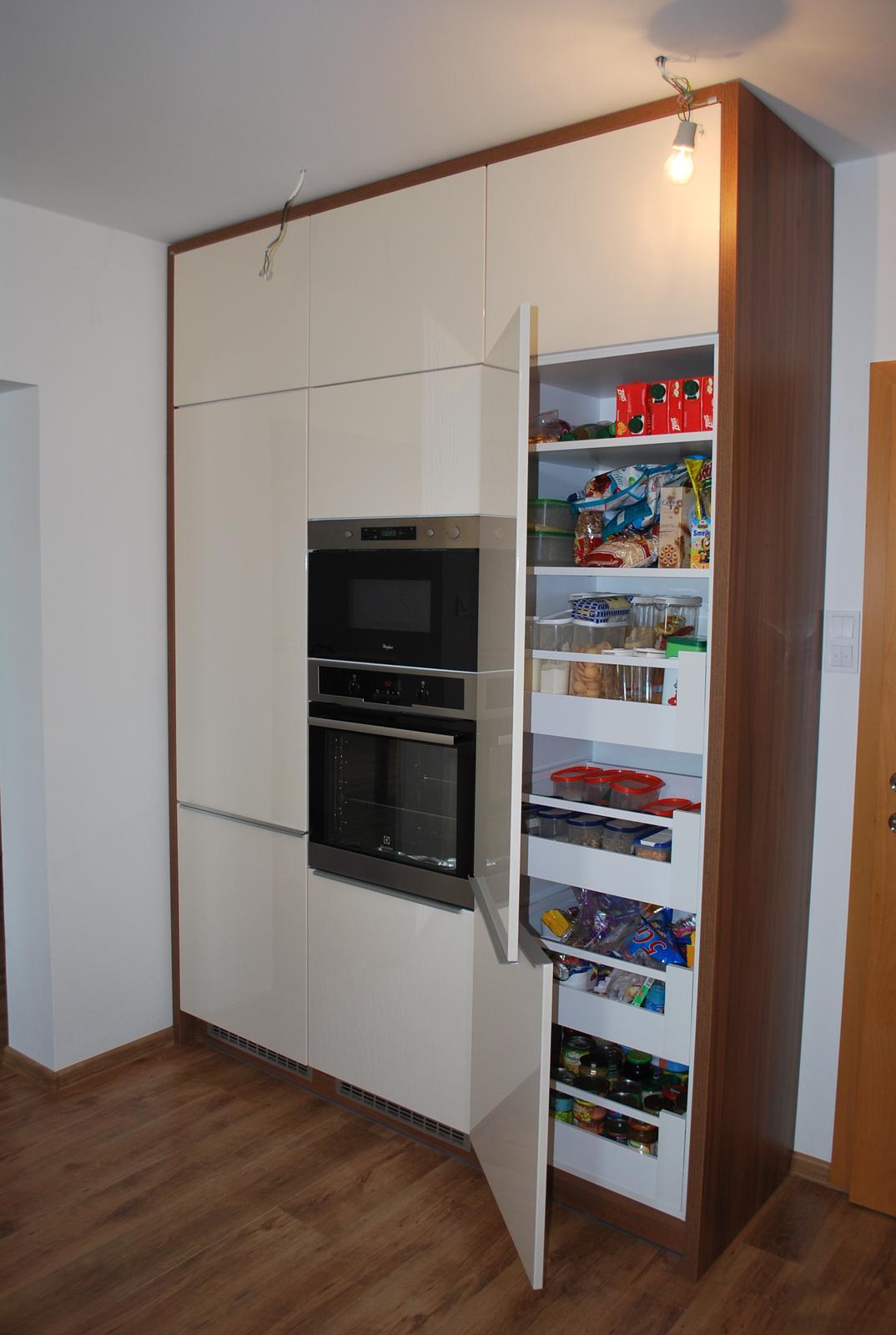 Kuchyne - Kuchyňa orech dijon / jasmín lesklý