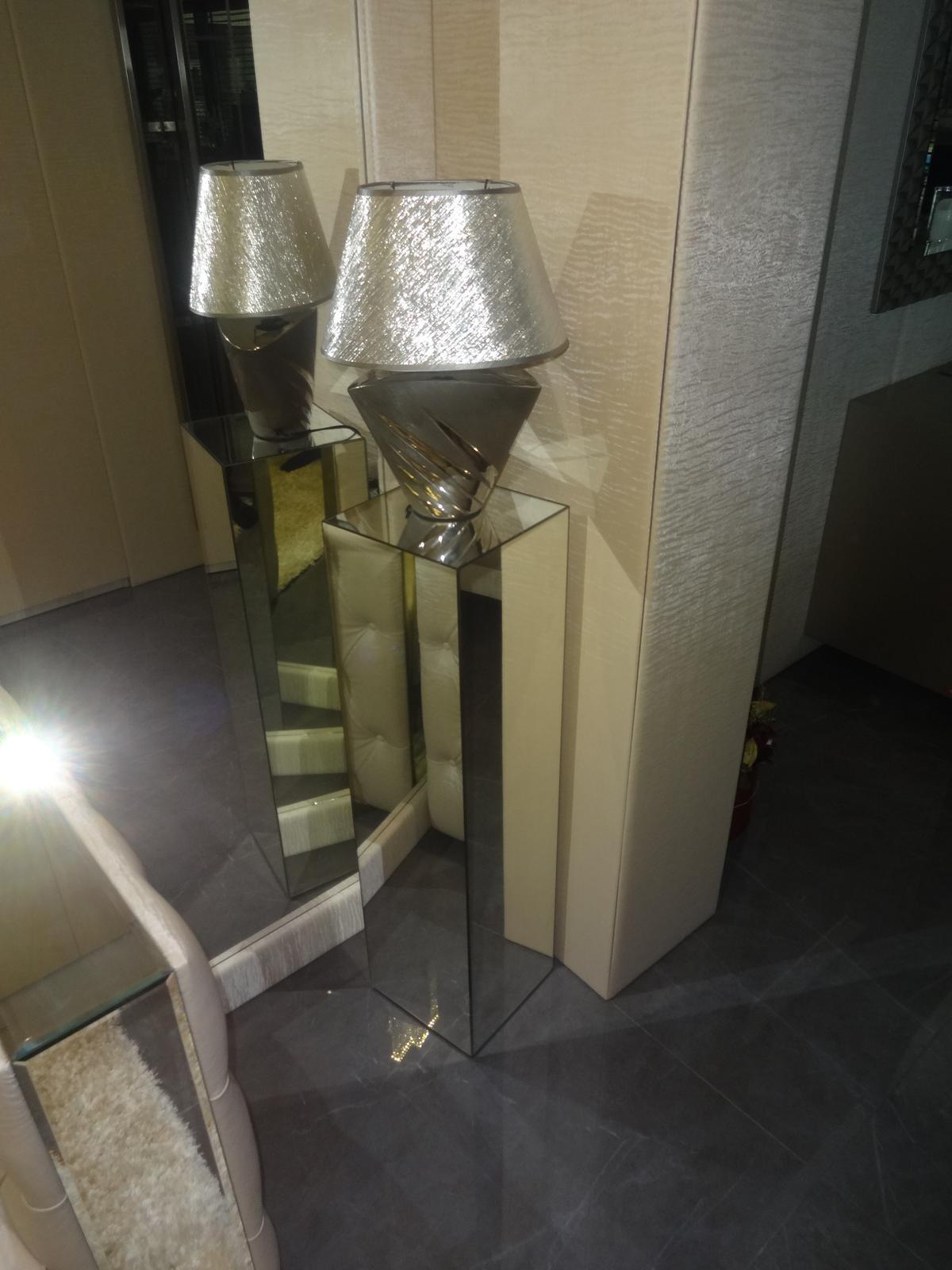Zrkadlový nábytok - Zrkadlový stojan na dekorácie 90cm