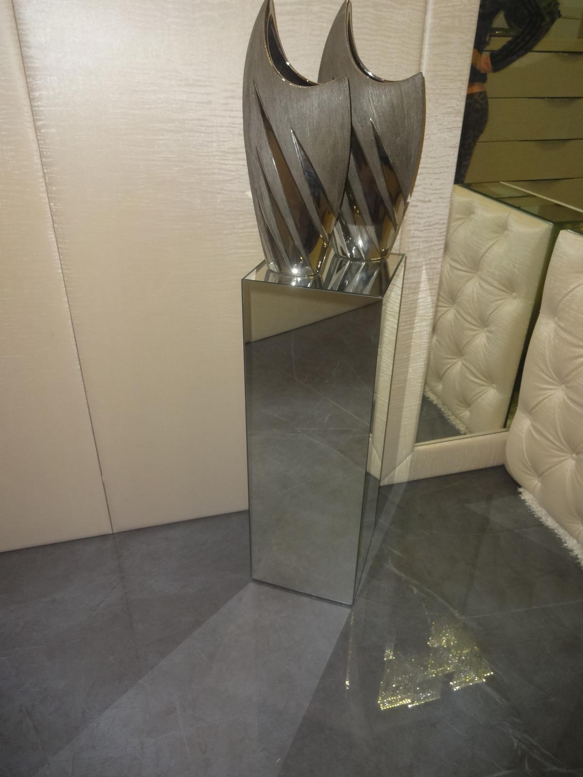 Zrkadlový nábytok - Zrkadlový stojan na dekorácie 70cm