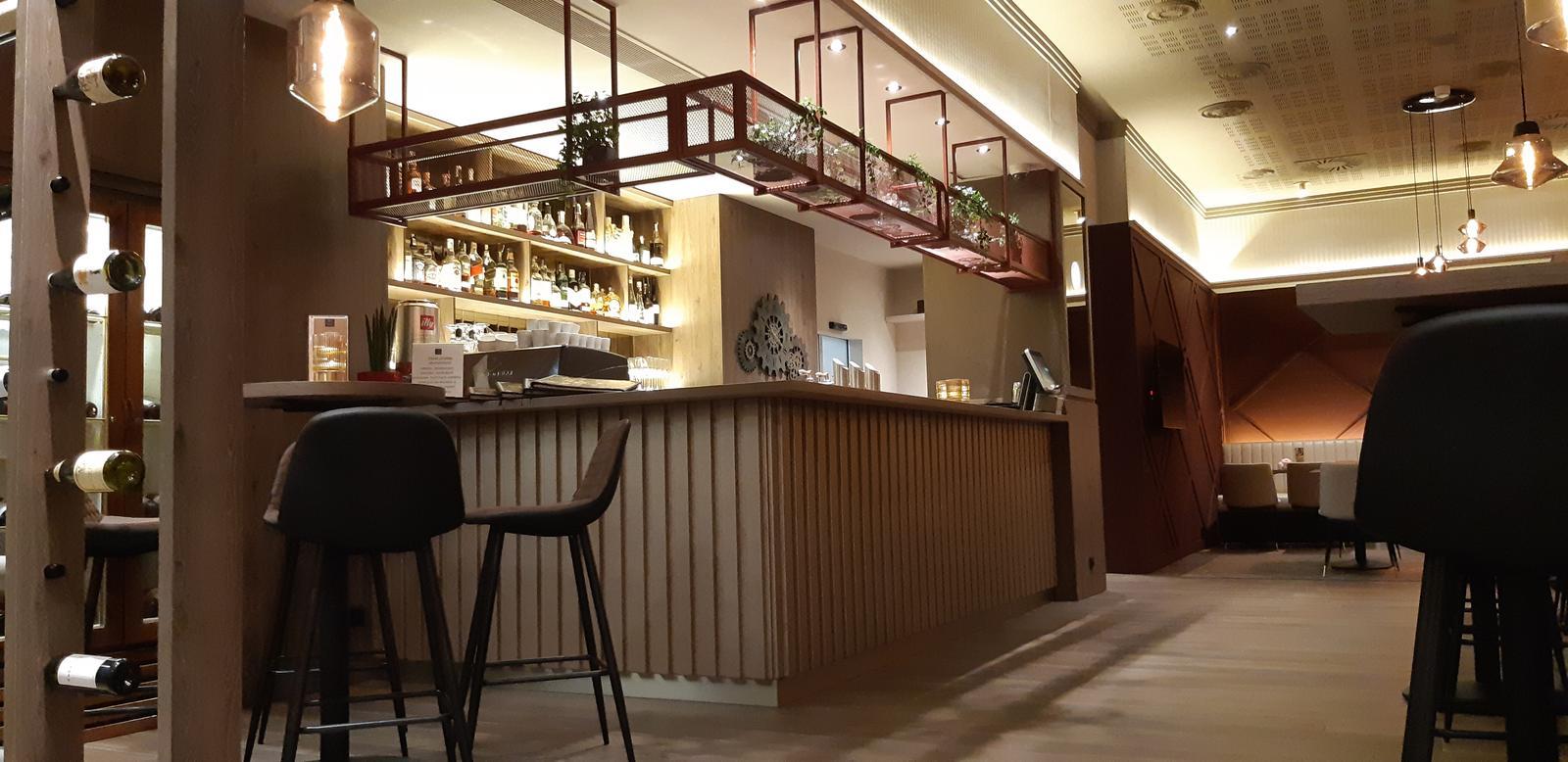 Komerčné priesotry - Hotel Imperial Ostrava - bar