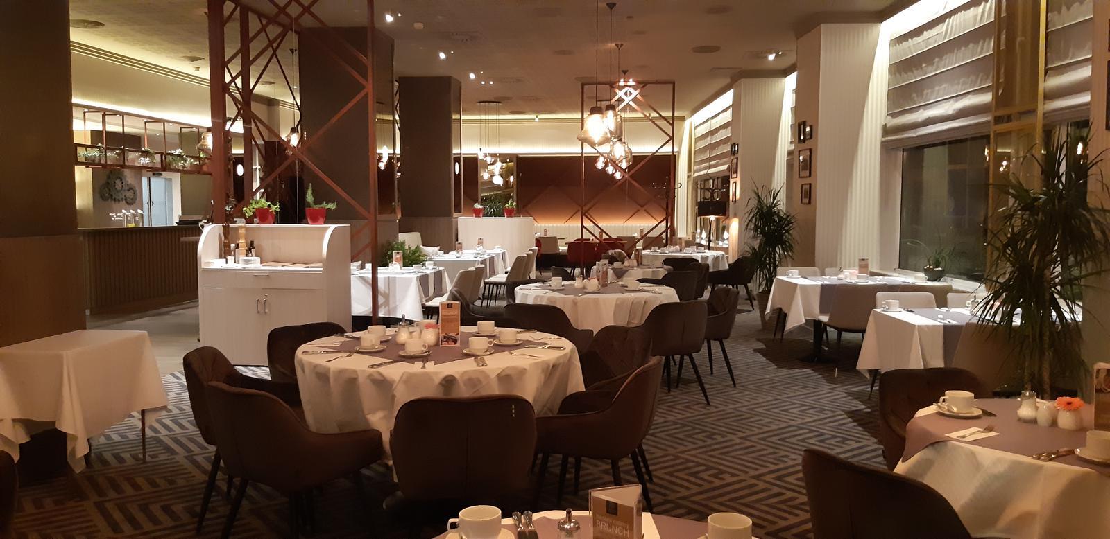 Komerčné priesotry - Hotel Imperial Ostrava - reštaurácia