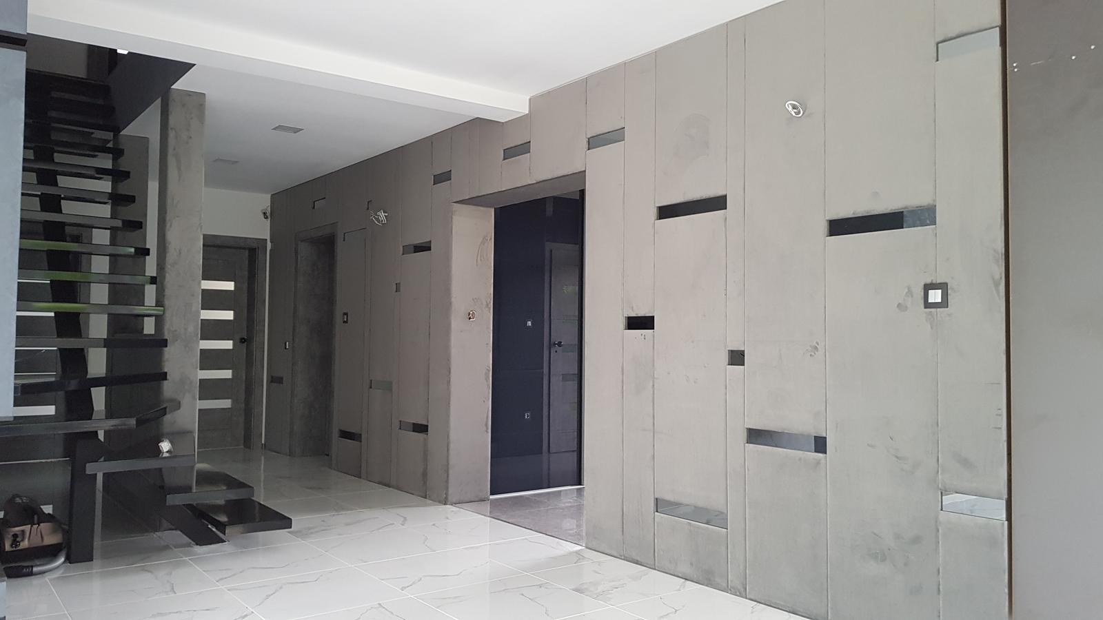 Obklady stien, koženkové panely - Ako zmenit jednoduchu stenu čalúnenými panelmi