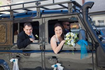 LAND ROVER náš super svatební vůz i s řidičem! :-)
