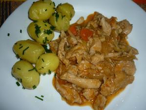 kuřecí nudličky se zeleninou  - byla to rychlovka ...ale moc dobrá