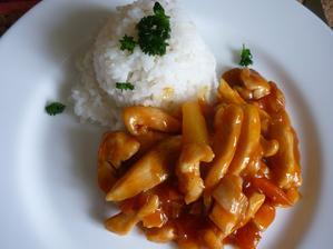 kuřecí nudličky  na sladkokyselo s rýží