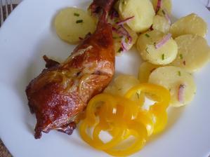 letní br. salát a uzené stehýnko