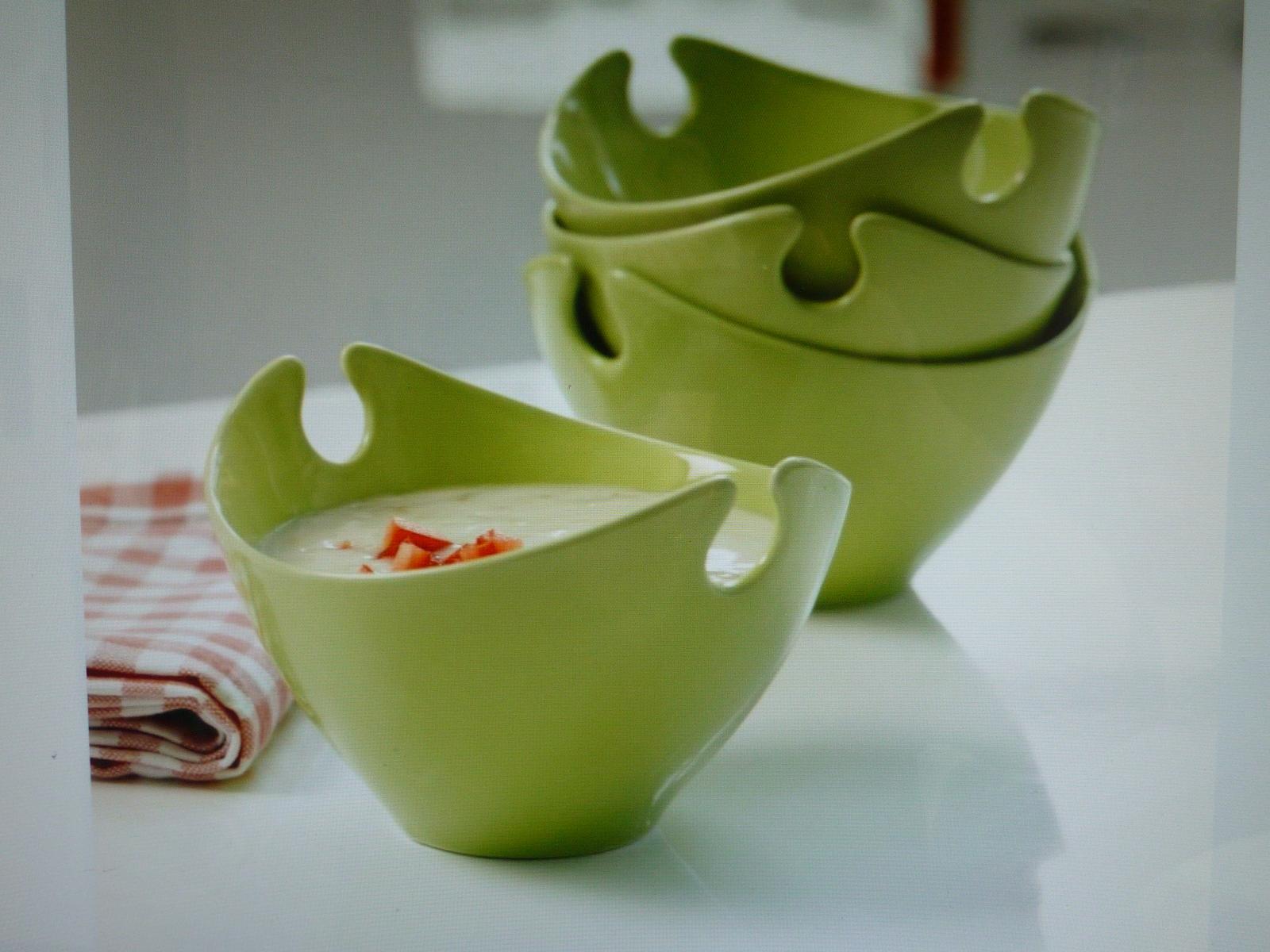 Co bych chtěla  podruhé a co už jsem si pořídila - misky z Bonami -to byla první zelená vlaštovka - jsou doma