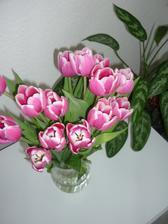 zbožňuji kytice z tulipánů