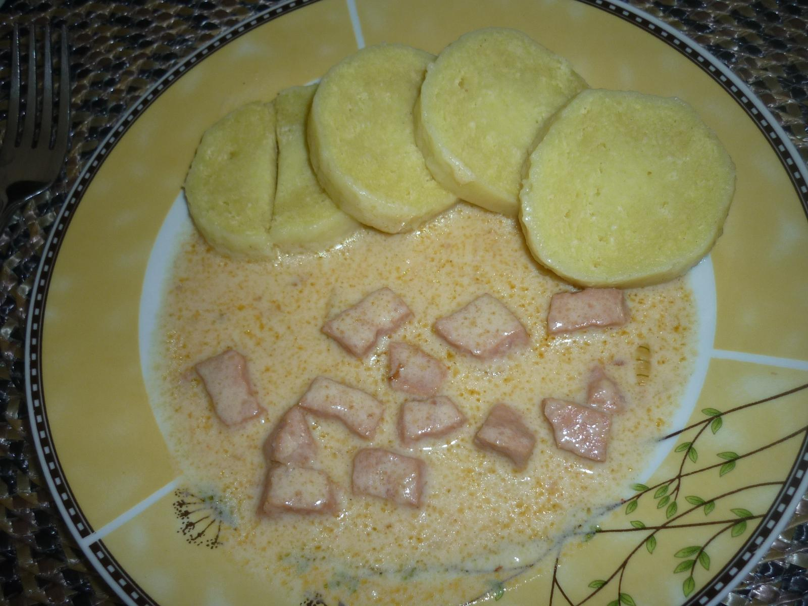 Což dát si něco k snědku - mnozí asi neznají - salám na paprice s bramborovým knedlíkem - manželovo hrozně oblíbené jídlo