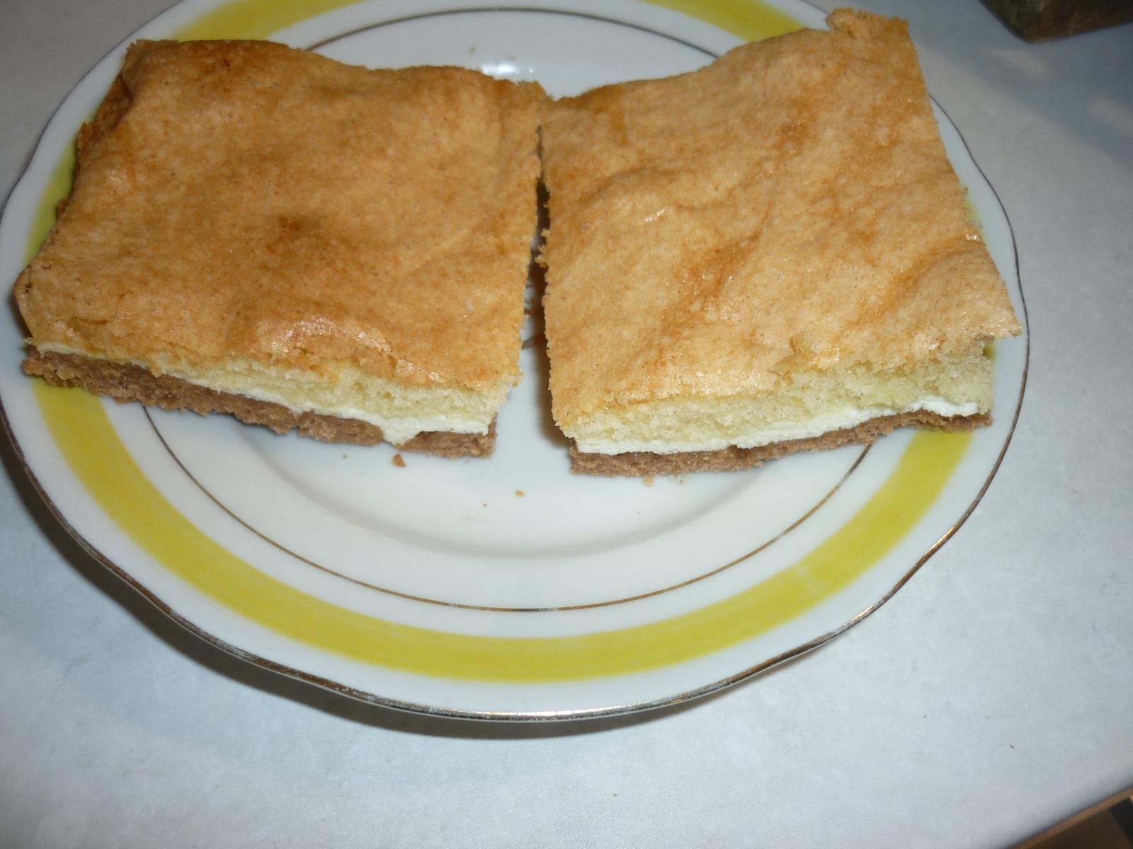 Což dát si něco k snědku - tříbarevný koláč - byl moc dobrý