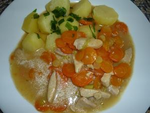 dnes manžel vařil 1-2-3   1 prso kuřecí,2 mrkve, 3 brambory ..... výtečný oběd - pochutnali jsme si