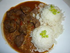 Dnes drůbeží játra na pórku a paprice s rýží