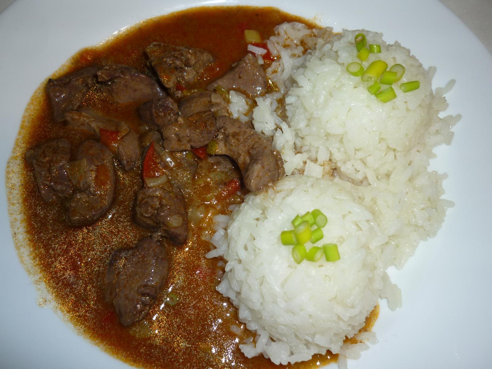 Což dát si něco k snědku - Dnes drůbeží játra na pórku a paprice s rýží