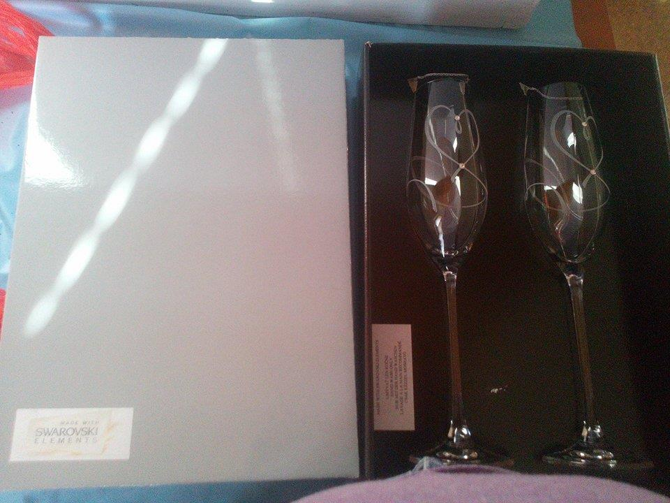 Prípravy v plnom prúde :-) - Svadobné poháre so Swarovskeho kryštálmi