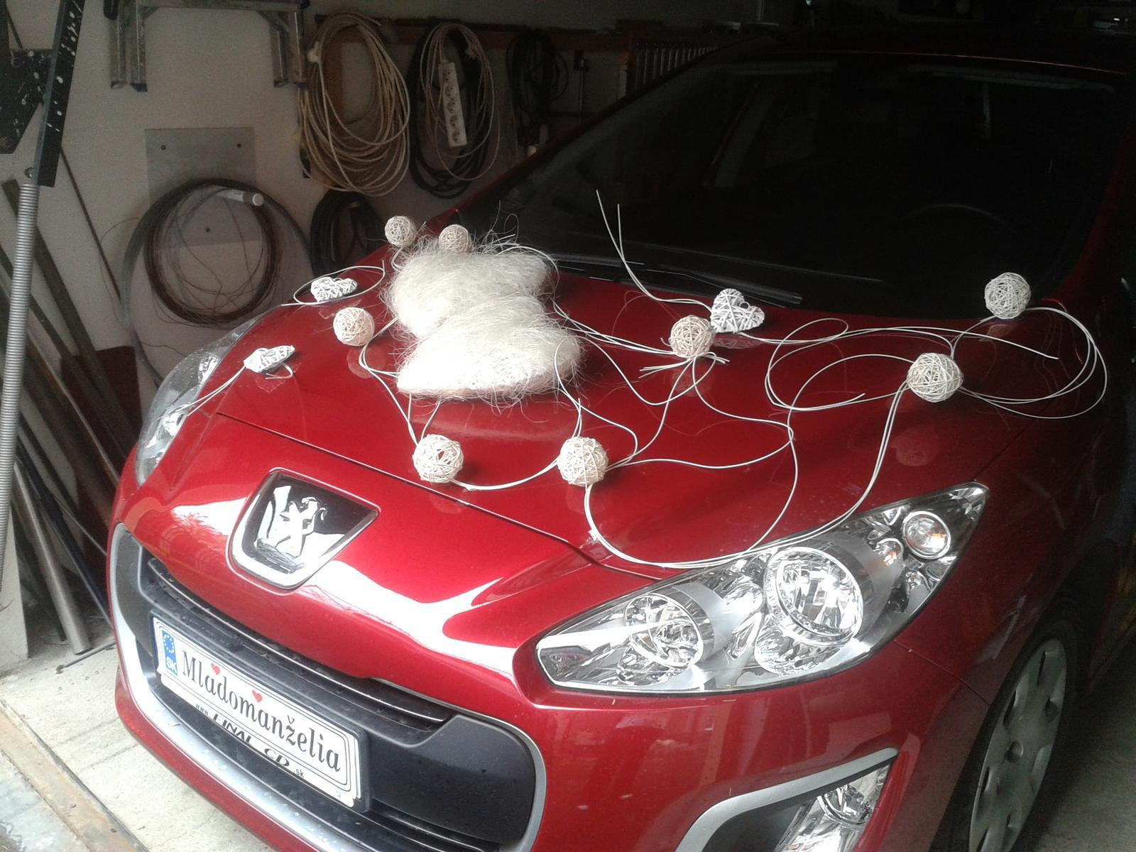 ♫ Keď sa sny plnia. . . ♫♪ - putovná výzdoba na jedno autíčko je doma...