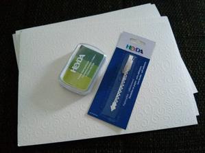 pečiatka na strom, a papier na svadobné odkazy :)