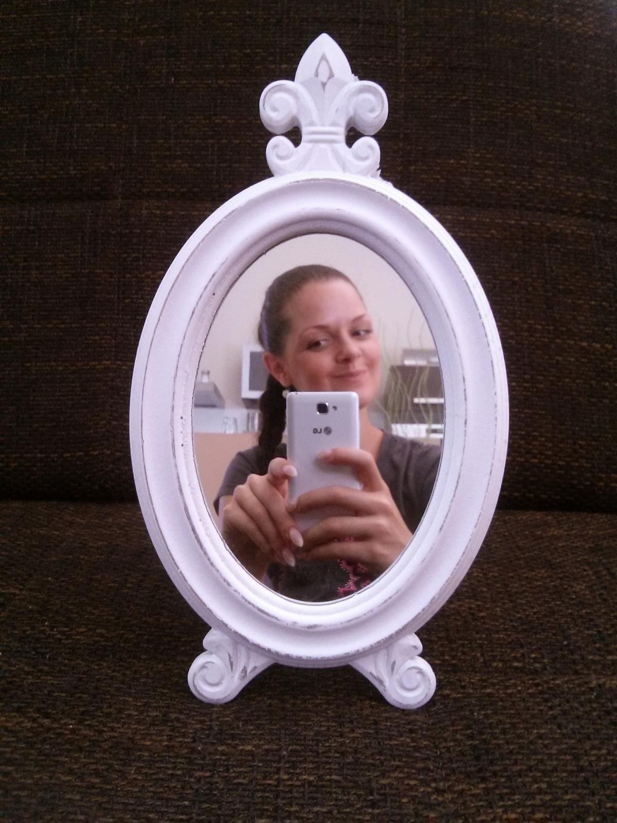 ♫ Keď sa sny plnia. . . ♫♪ - toto zrkadielko ma dostalo,určite bude súčasťou fotiek...