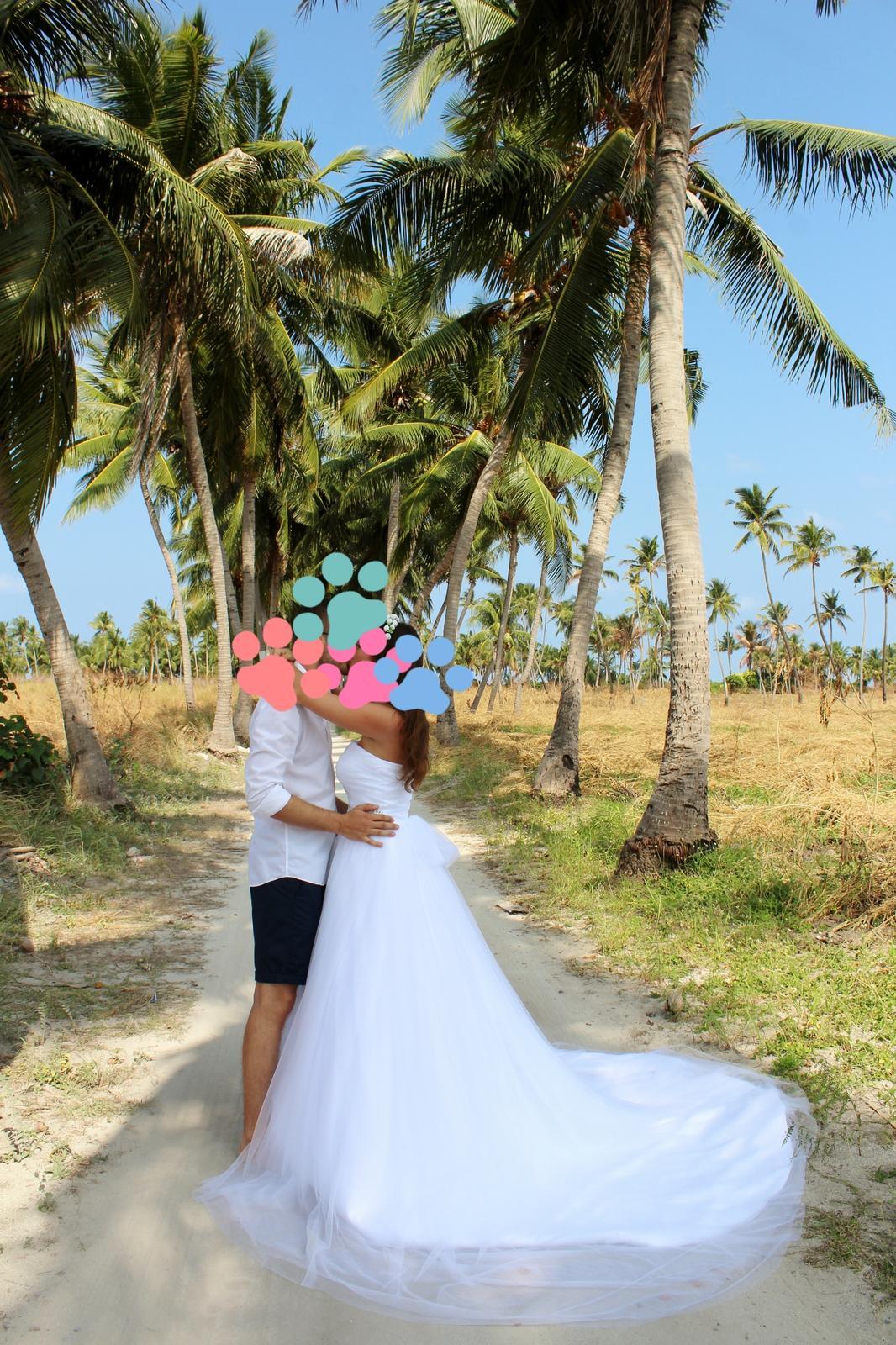 Svadobné šaty s vlečkou - Obrázok č. 3