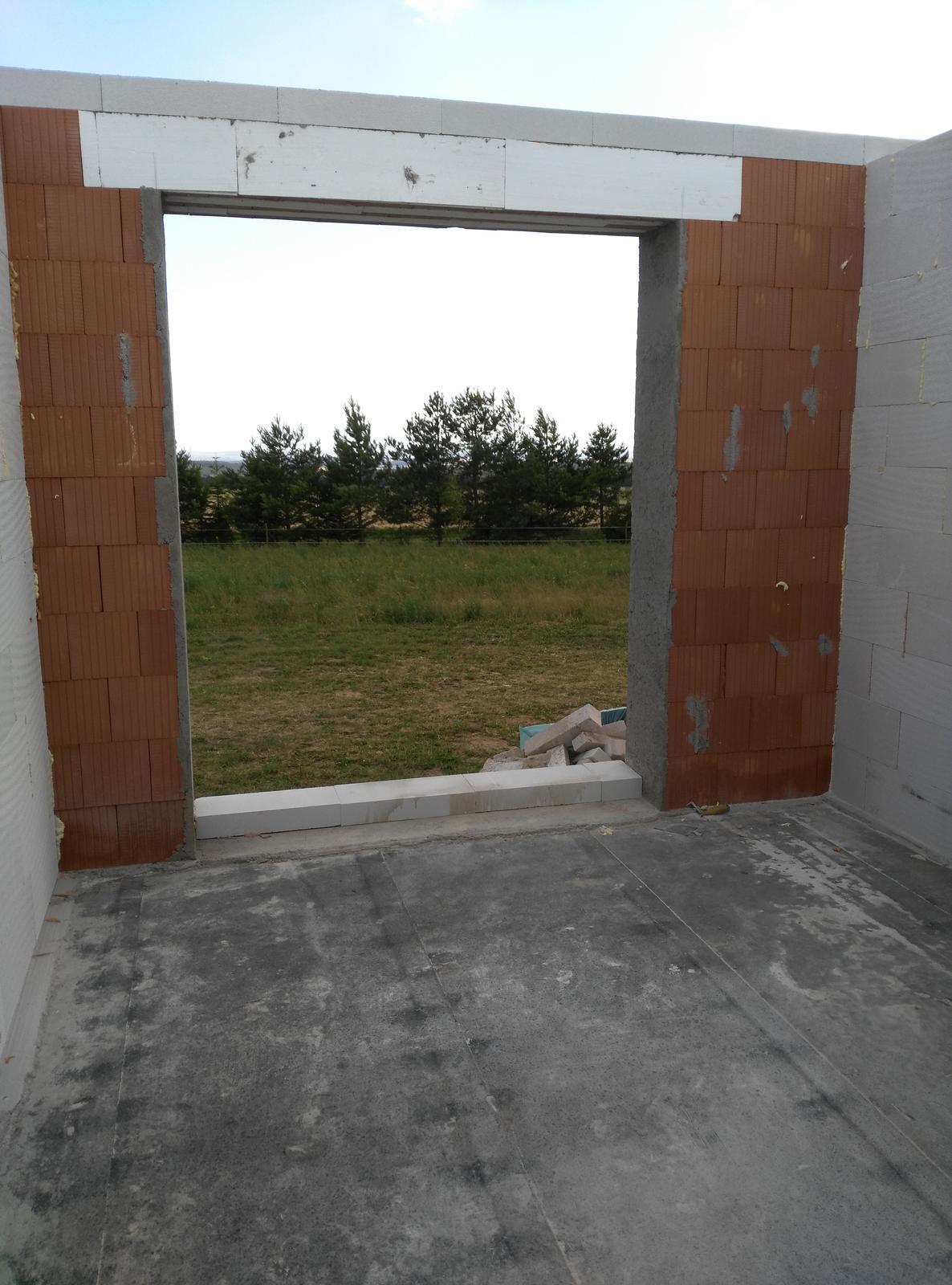 Nosné zdí a příčky jsou hotové.. za par dní bude domeček pod střechou..:-) - Obrázek č. 3