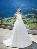 Svadobné šaty . Model 1055, 38