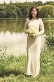 Elegantní uzké krajkové svatební šaty smetanové, 36