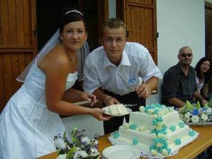 krájení dortíku....byl vynikající