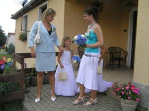 moje švagrová a její dcera družička a má svědkyně
