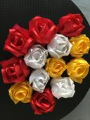 Saténové kvety 13 ks,