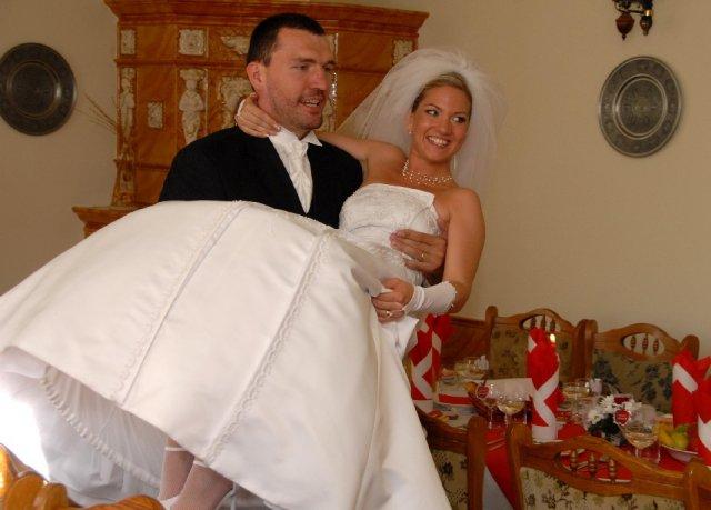 A&D{{_AND_}}náš svadobný deň - na rukách by ma nosil