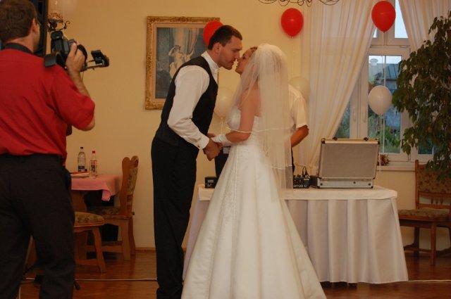 A&D{{_AND_}}náš svadobný deň - prvý tanec 1