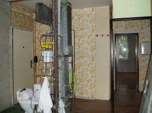 Původní vzhled bytu - šílené tapety