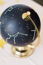 Dekorace na svatební stůl, globus s hvězdnou oblohou, který bude svítit :)