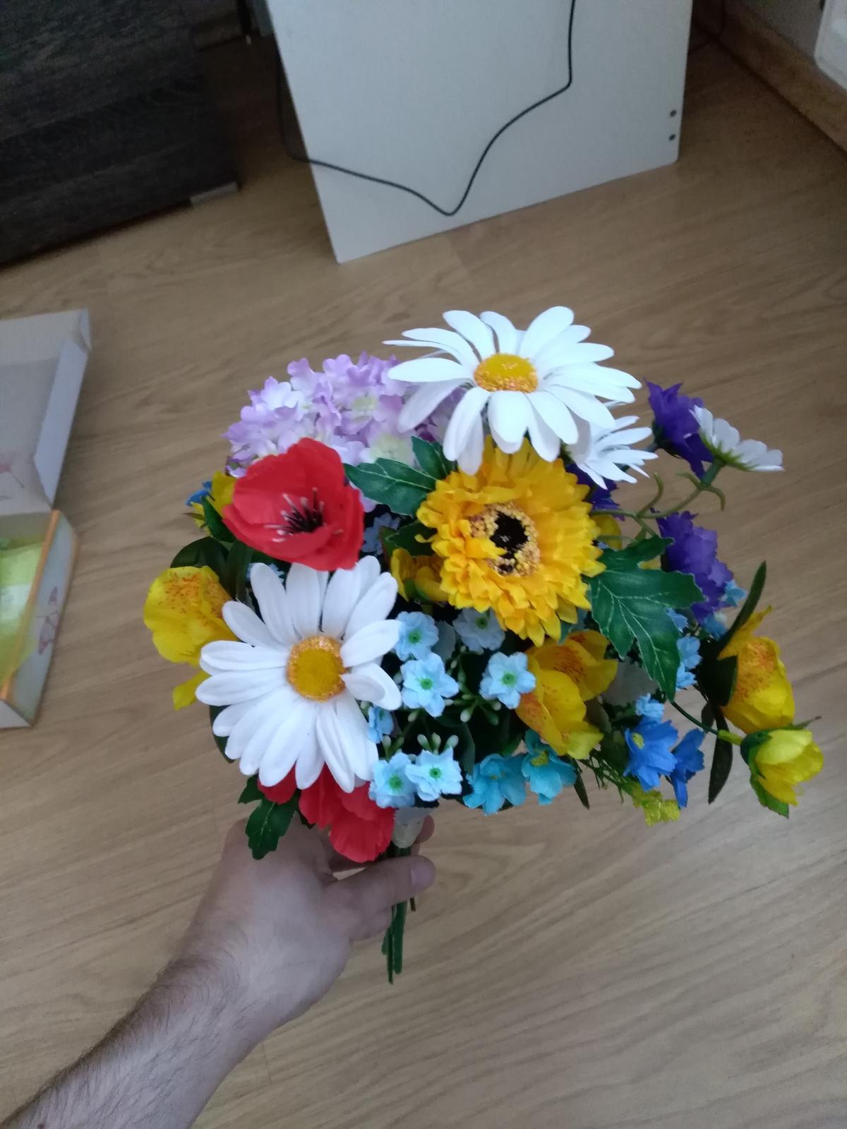 kytice z umelých kvetov - Obrázok č. 1