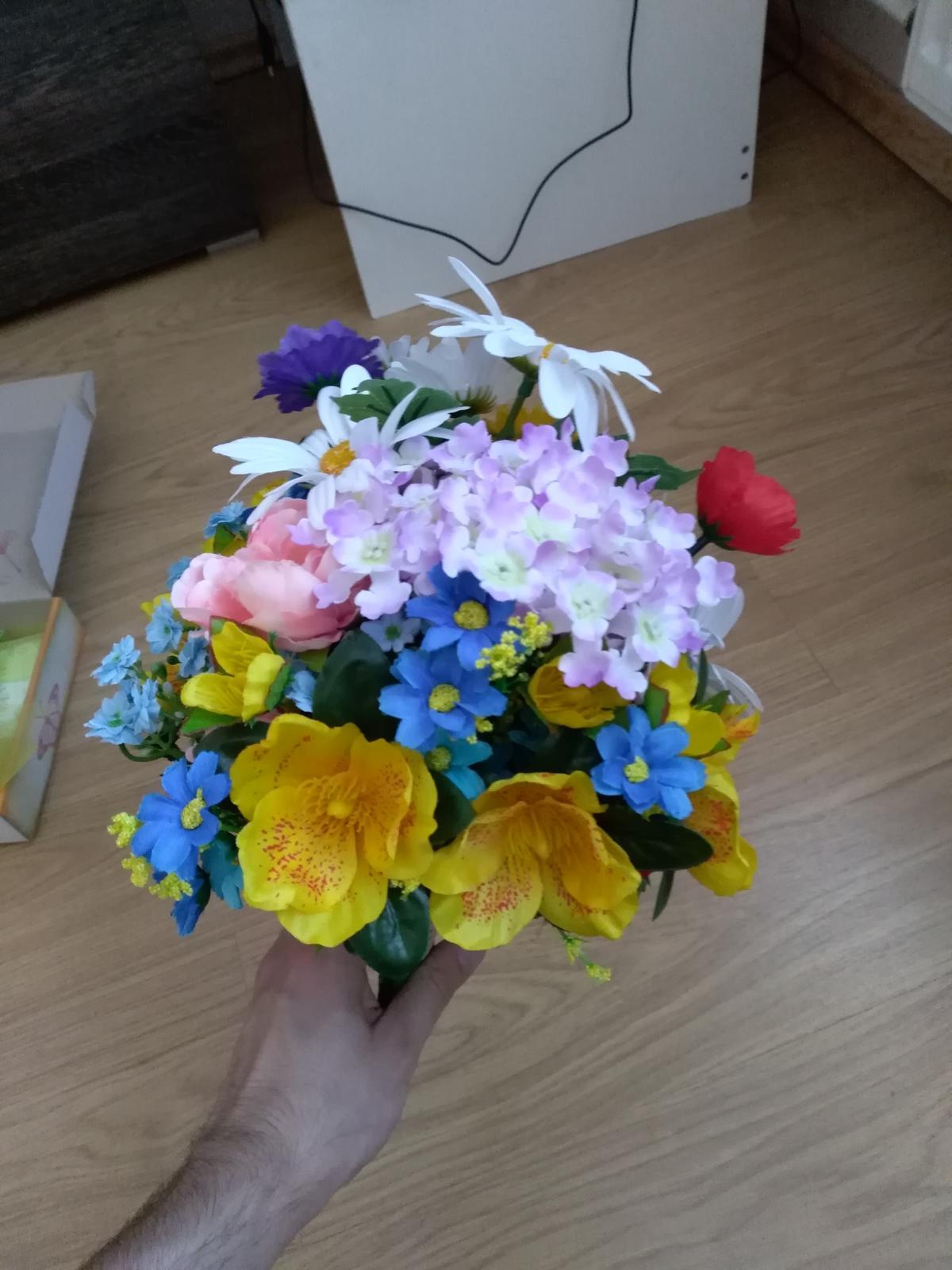 kytice z umelých kvetov - Obrázok č. 2