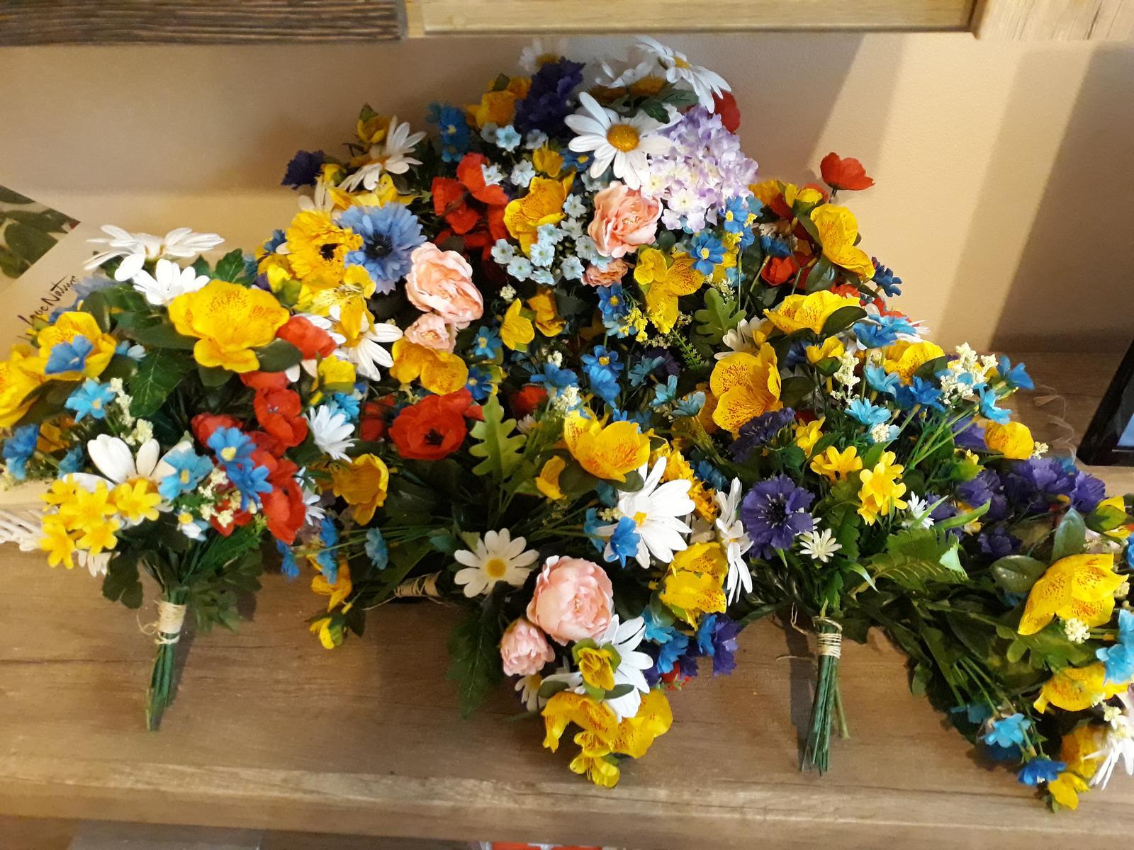 kytice z umelých kvetov - Obrázok č. 3