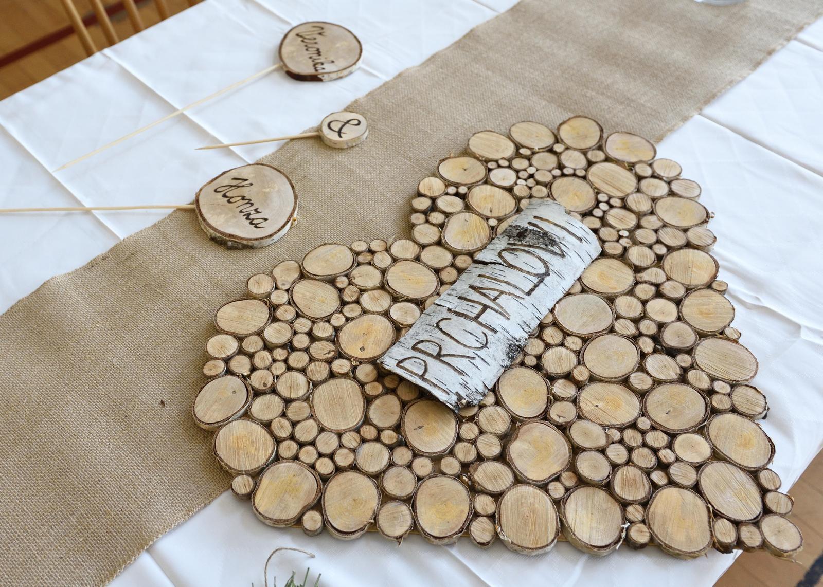 Ze svatby - Srdce z březových koleček - vlastní výroba (možnost výroby po předchozí domluvě)