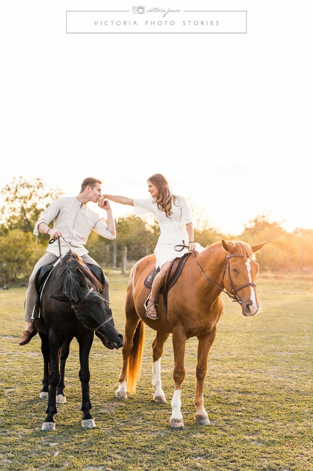 Predsvadobné fotenie s koníkmi  :) - Obrázok č. 12