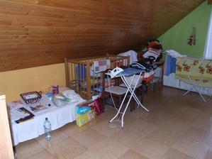 Dětský pokoj zatím spíše sklad