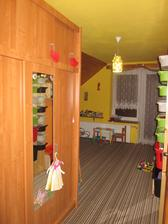 Před vánoci jsme dětem znovu vymalovali a přestavěli pokojíček :-)