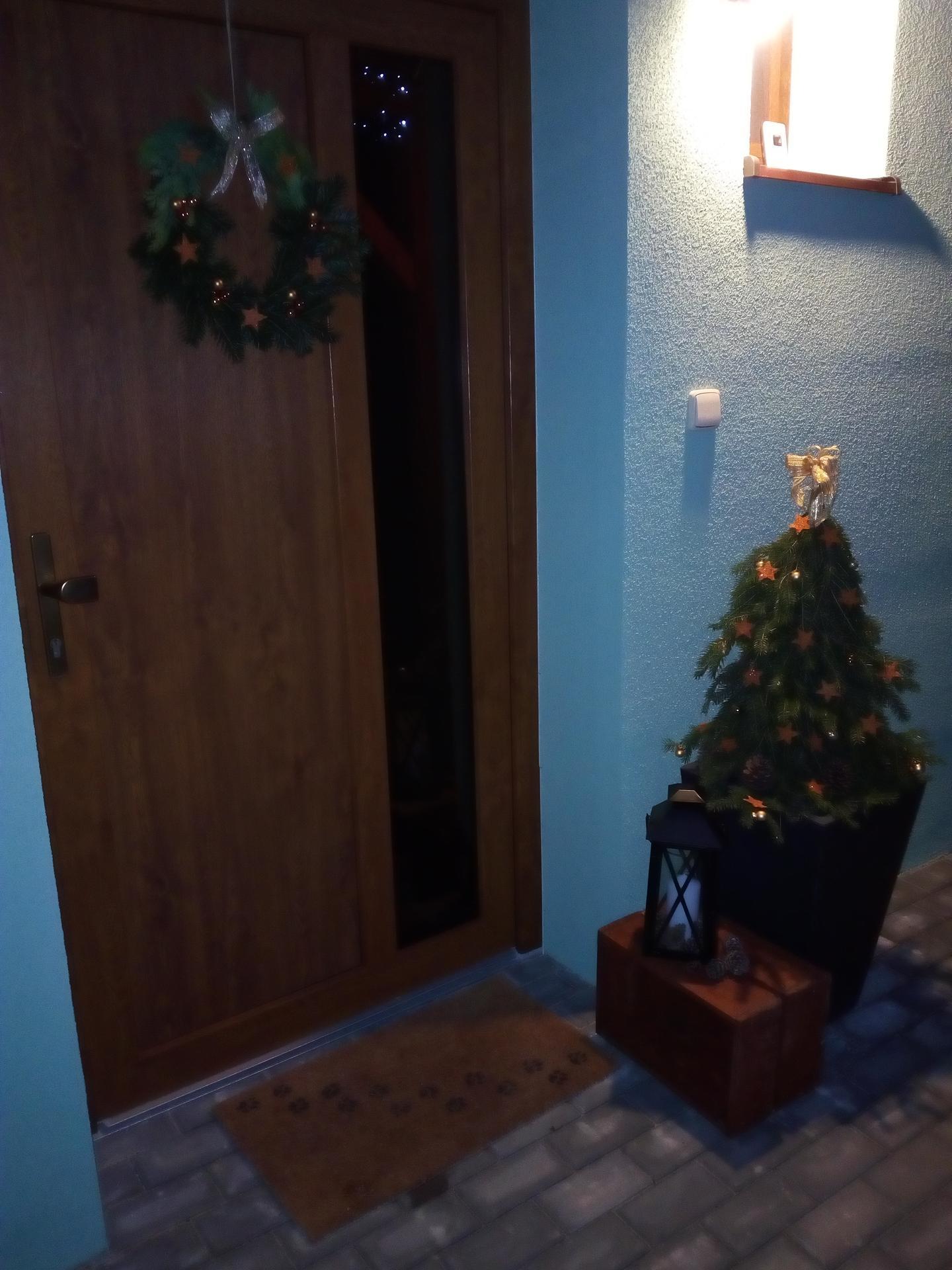 Vánoce u nás - Sladěno s věncem na dveřích