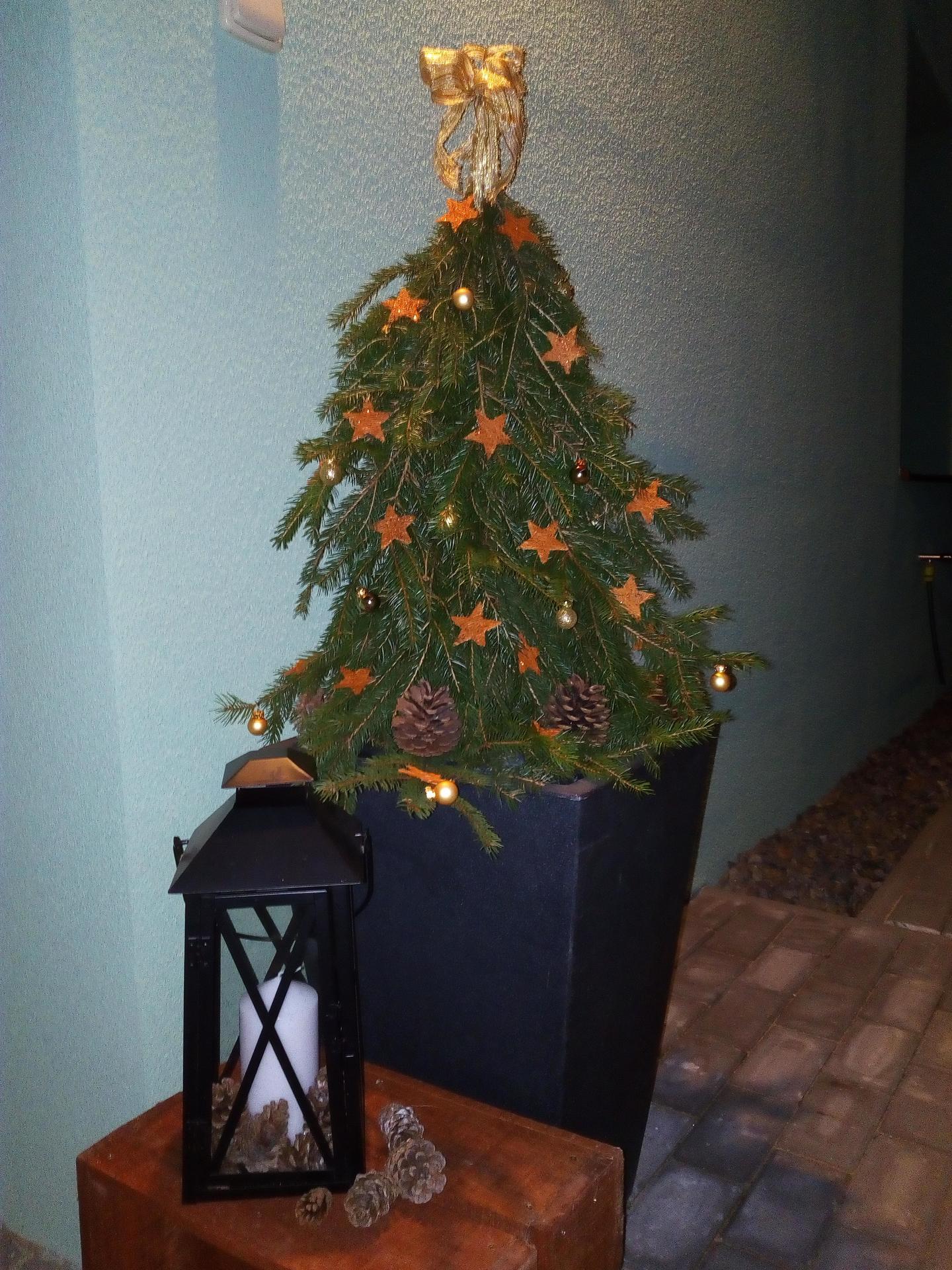 Vánoce u nás - Hrozně jsem chtěla vytvořit stromeček podle předloh a snad se mi to i povedlo.