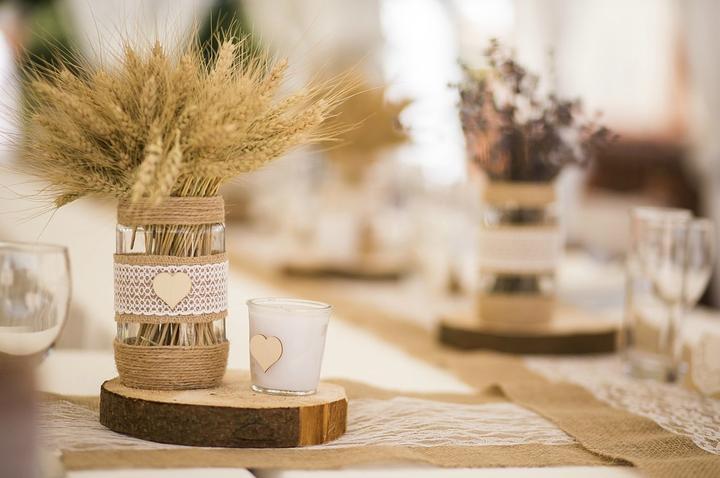 Svatební tabule v přírodním stylu -  inspirace.. - Přítel pracuje v zemědělství, obilí již sušíme. :-)