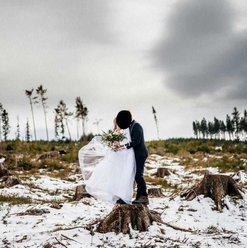 Těhotenské zimní svatební šaty - Obrázek č. 1