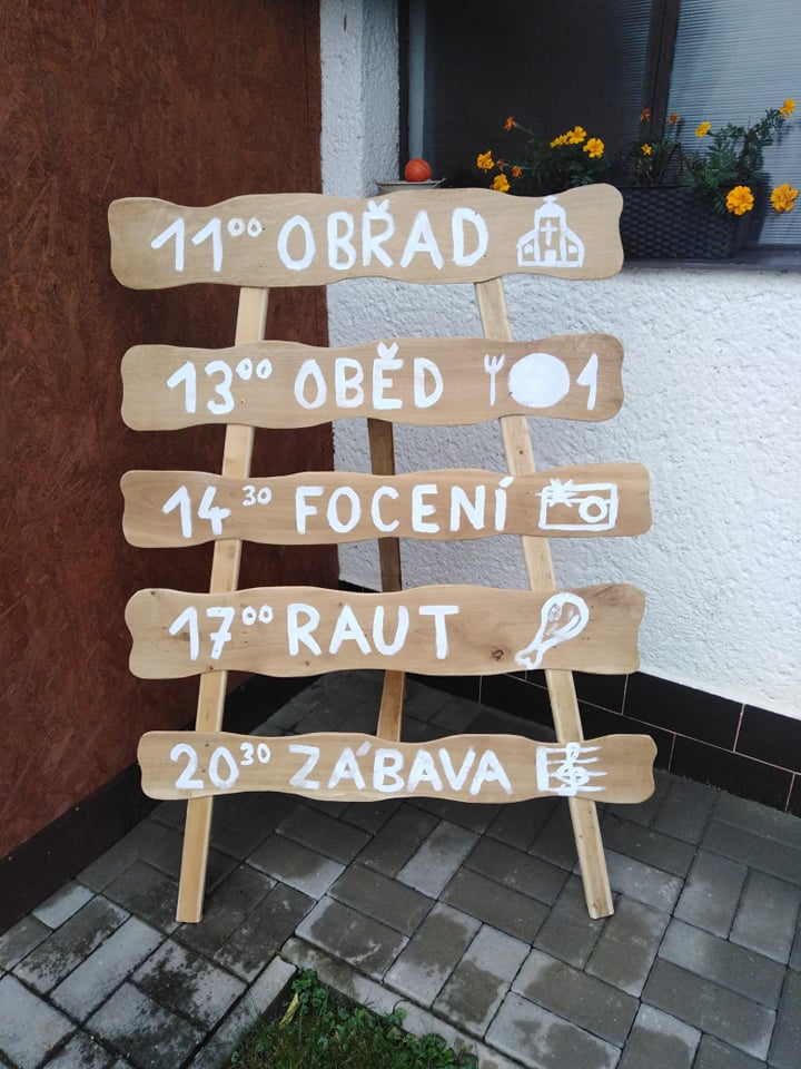 Dřevěný stojan - Obrázek č. 1