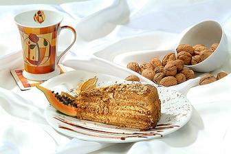 Zakusek-svatebni dort.
