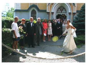 prekvapko č. 2 - prvá mladomanželská výmena - tenisová :-)