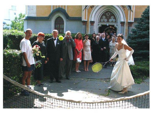 Ľubica{{_AND_}}Vladimír - prekvapko č. 2 - prvá mladomanželská výmena - tenisová :-)